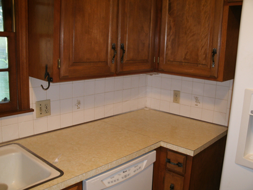 Http Fourstarenterprises Com Project Kitchen Update With Ceramic Tile Countertop And Glass Tile Backsplash